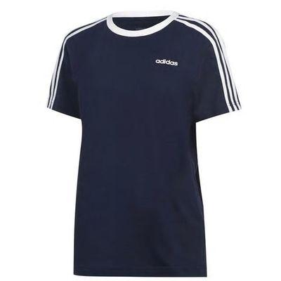 Granatowa koszulka z białymi paskami na rękawkach Adidas. Dekolt klasyczny okrągły. Rozmiar M